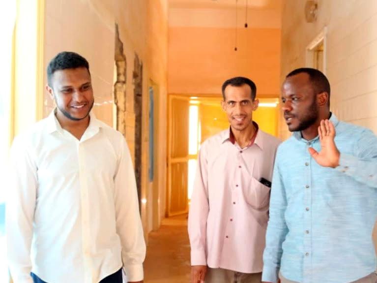 Libia, dottori in visita in un ospedale